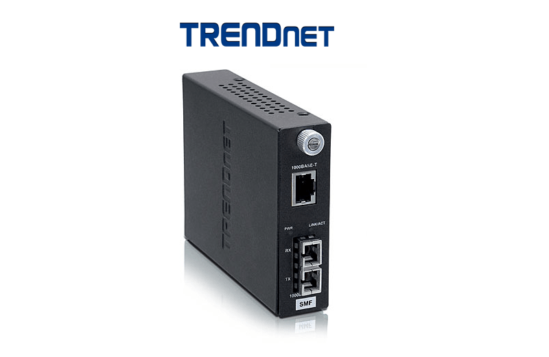 TRENDnet TFC-1000S20 Intelligent 1000Base-T to 1000Base-FX Single Mode SC Fiber Converter (20KM)